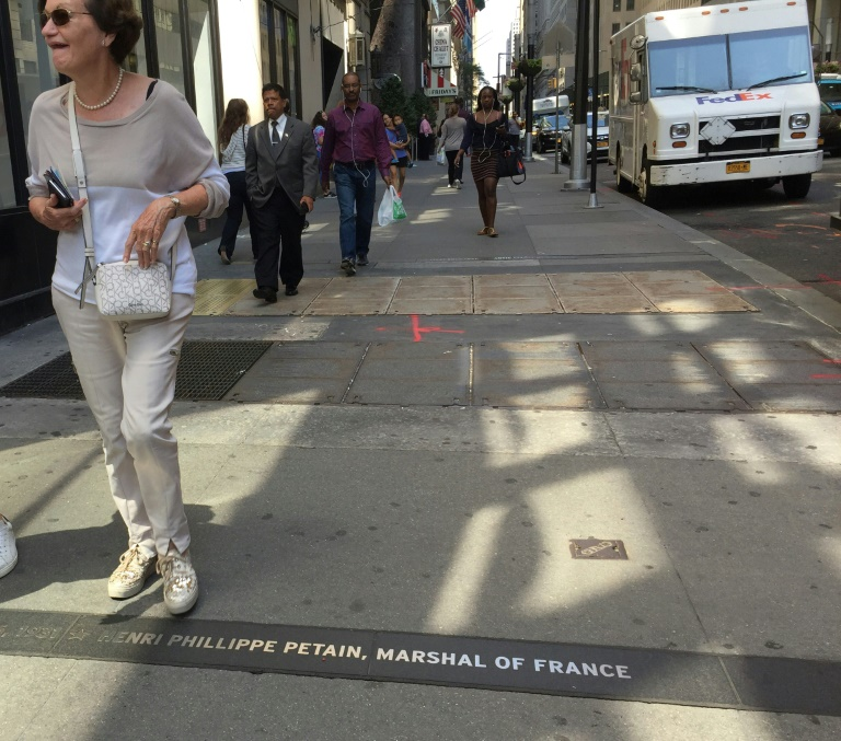 New York va retirer une plaque honorant Pétain